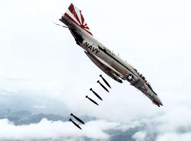 guerra vietnam - bombardeo aéreo